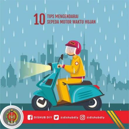 10 Tips Mengendarai Sepeda Motor Waktu Hujan dari Dinas Perhubungan DIY