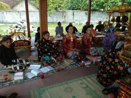 Pentas Gamelan di Pendopo Desa Mulyodadi 2